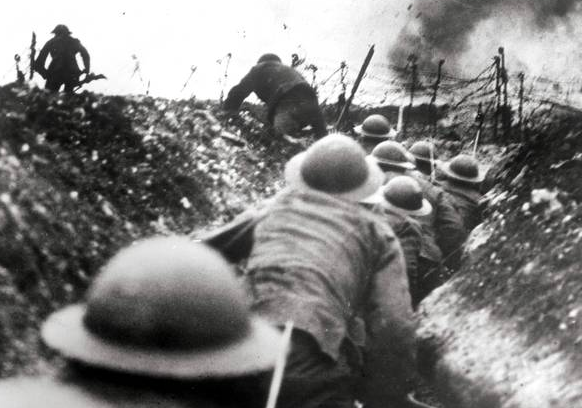 WWI_footsoliders_in_the_trenches